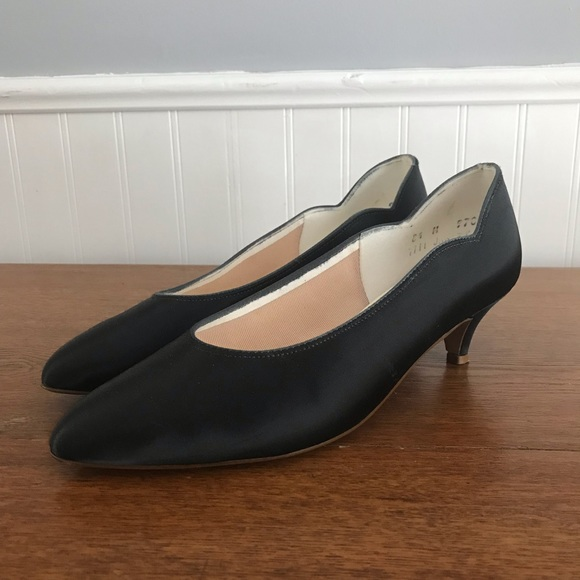 91ab6d39e5f coloriffics Shoes - VTG 50s Coloriffics Black Kitten Heel Pumps 8.5 M